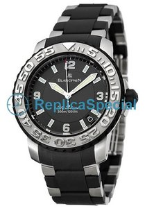 Blancpain Fifty Fathoms 2200-6530-66 Automatic Black Dial Mens Bracelet Watch