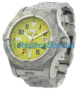 Breitling Avenger A17330 Mens Automatic Stainless Steel Bralecet Watch